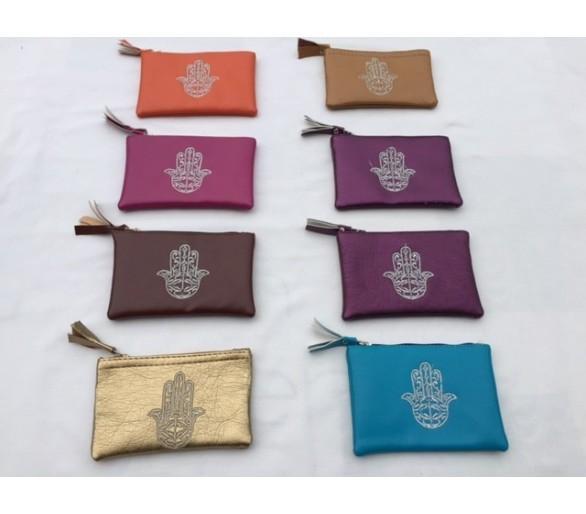 Petite pochette porte-monnaie marocain brodé motif main khmissa fuschia
