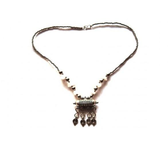 Collier berbère translucide / amulette ANDALOUS